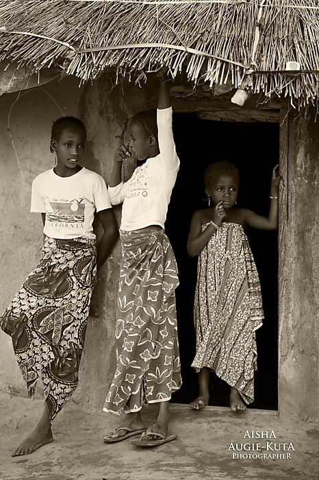 photoblog image Gishiri fulani settlement: Old school living